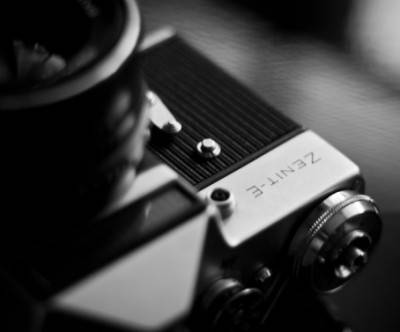 photo-camera-monochrome-cool-bokeh