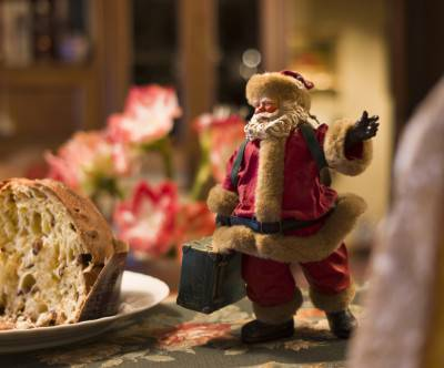 photo-christmas-santa-claus-table