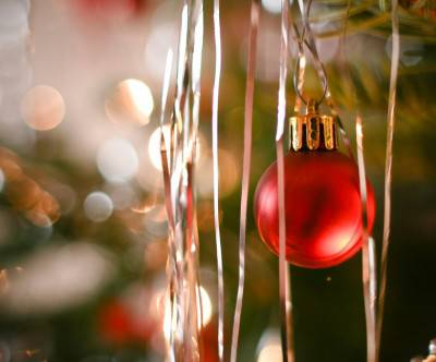 photo-christmas-tree-decoration-ball