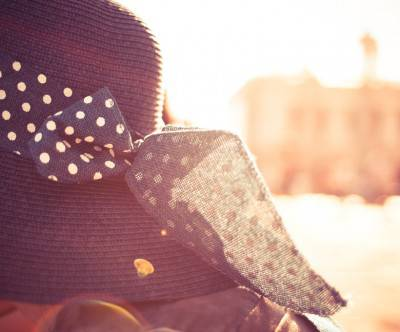photo-girl-hat-sunlights