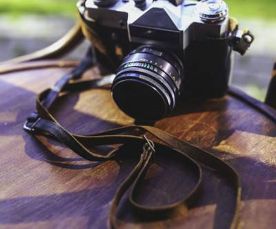 photo-old-camera-wood-bokeh