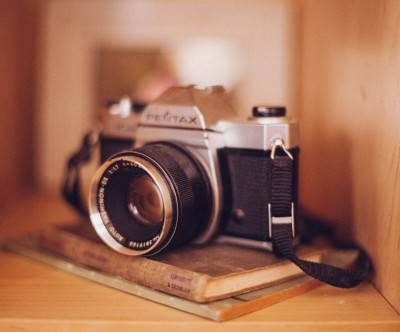 photo-old-vintage-camera-book-brown