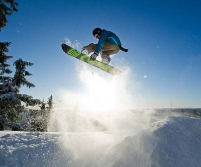 photo-snowbording-jump-light