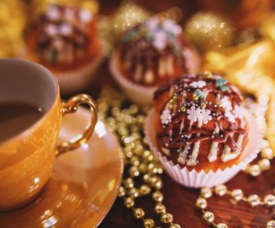 photo-christmas-cupcake-coffee-bokeh