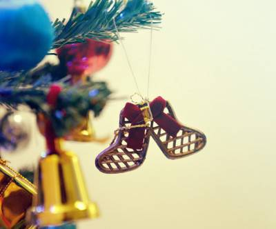 photo-christmas-decoration-ribbon-socks-chain
