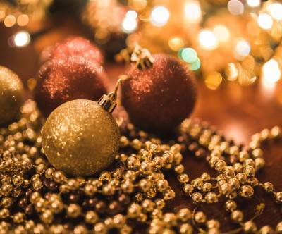 photo-christmas-gold-copper-ball