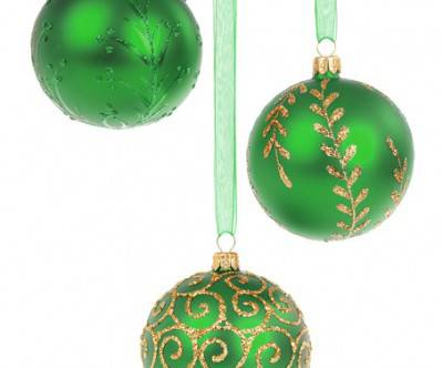 photo-green-christmas-ball-white-back
