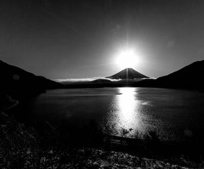photo-mountain-fuji-monochrome-sunrise