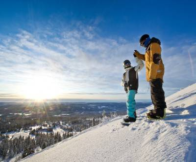 photo-snowboard-sun-sky-boys