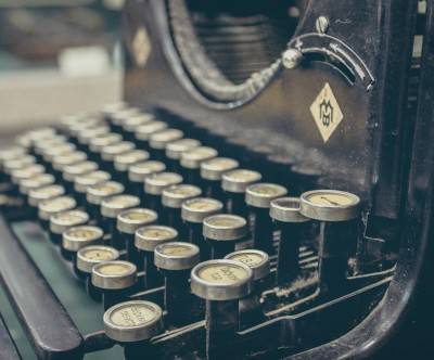 photo-typewriter-retro-vintage-close-up