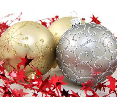 photo-xmas-balls-gold-silver-star