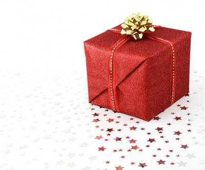photo-xmas-birthday-present-box-red