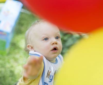 photo-baby-balloon-colorful-cute