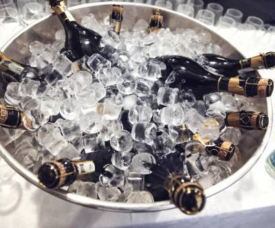 photo-champagne-bottles-ice-bucket