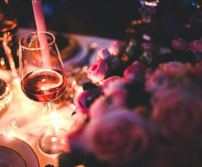 photo-glass-of-rose-wine-beautiful