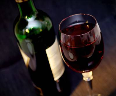 photo-red-wine-alcohol-drink