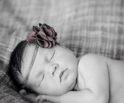 photo-sleeping-baby-flower-corsage-hairbands