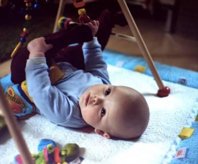 photo-baby-exercising-toy-cute