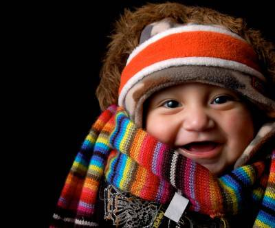 photo-baby-face-happy-muffler-winter